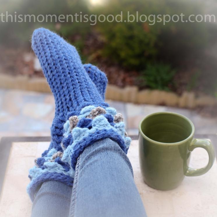 Loom Knit Scallop/Crocodile Slipper Sock Pattern