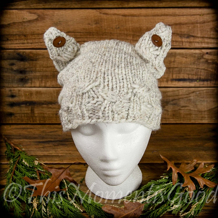 LOOM KNIT CAT HAT PATTERN. THE CABLED KITTY HAT WITH BUTTON EARS PATTERN