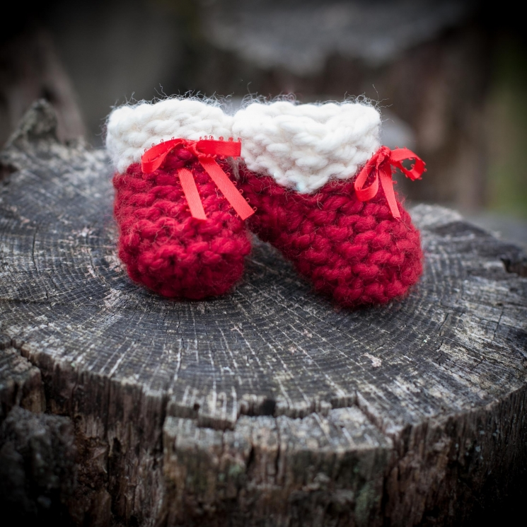 Loom Knit Baby Booties, Shoes, PATTERN, Beginner Friendly, Garter Stitch Booties