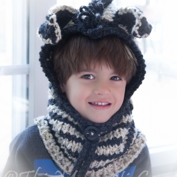 Loom Knit Zebra Hood with Cowl PATTERN. Toddler and Child Sizes. PDF Instant Download. Chunky, Rustic Child's Hood And Cowl Pattern.