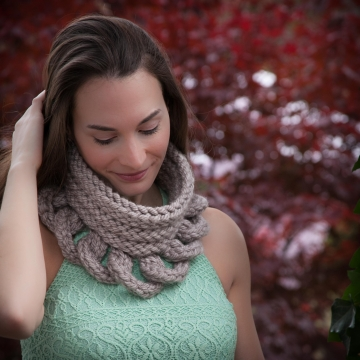 Loom Knit Cowl Pattern, Structural, High Fashion Cowl Pattern. PDF Download.