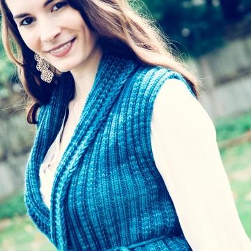 Loom Knit Vest Pattern, The Everyday Ladies Vest Pattern, 5 sizes, Instant PDF Download.